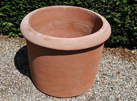 Terracotta pot conca enrico liscia