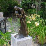 Bronzen beeld dansend paar, donkerbrons
