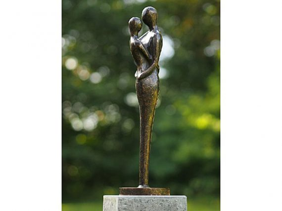 Bronzen beeld abstract liefdespaar