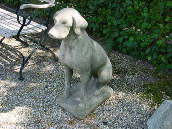 Stenen Engelse hond